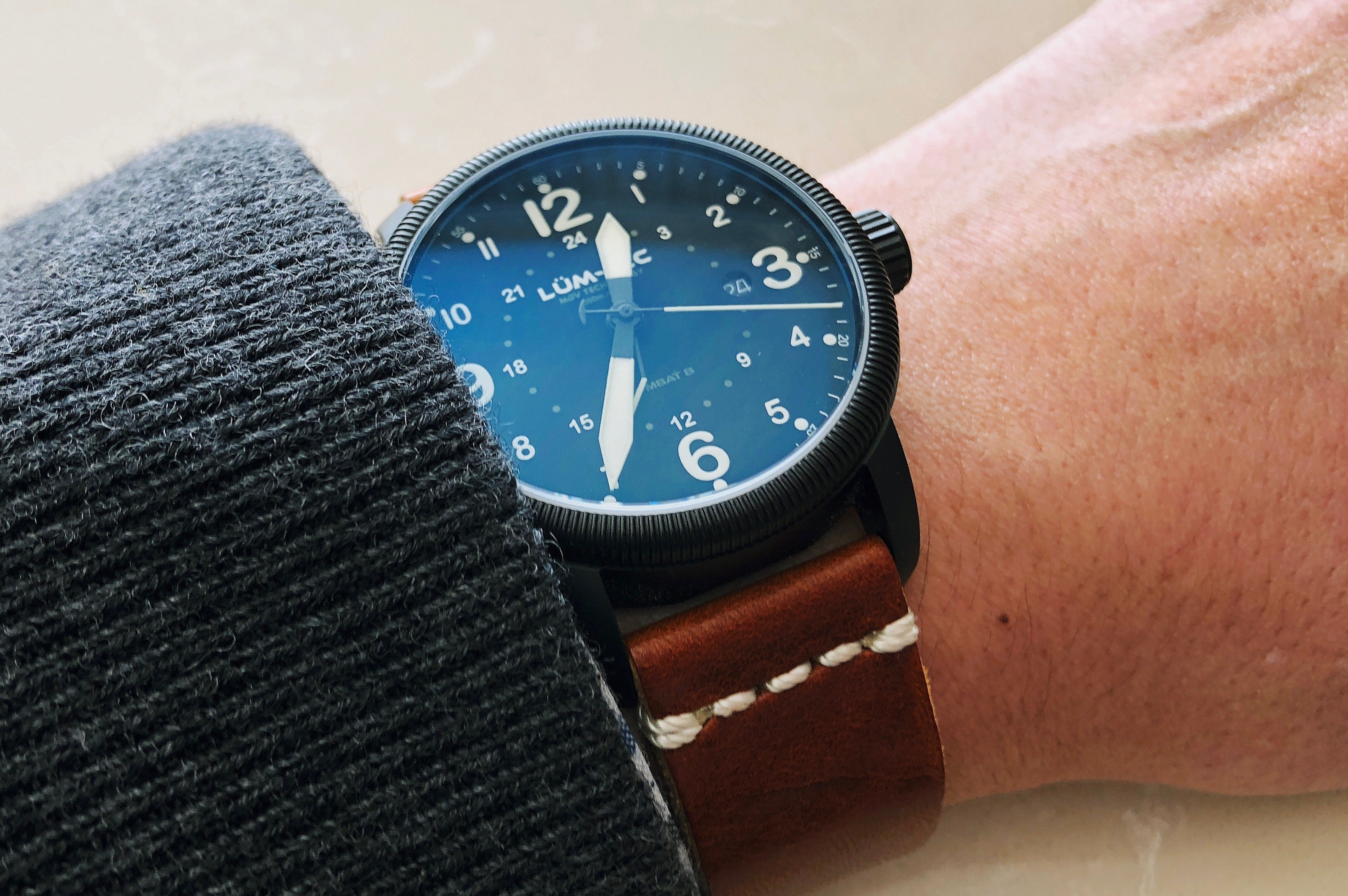 samsung apps frontier watches enough gear features bad not review lots of