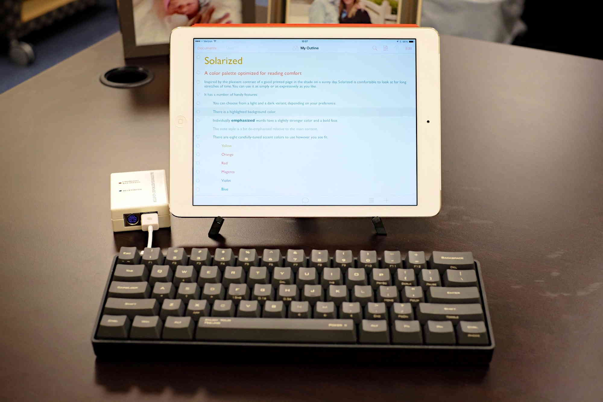 How do you hook up a keyboard to your ipad